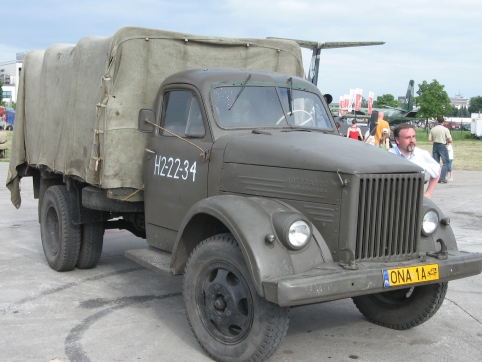 GAZ-51_during_the_VII_Aircraft_Picnic_in_Kraków